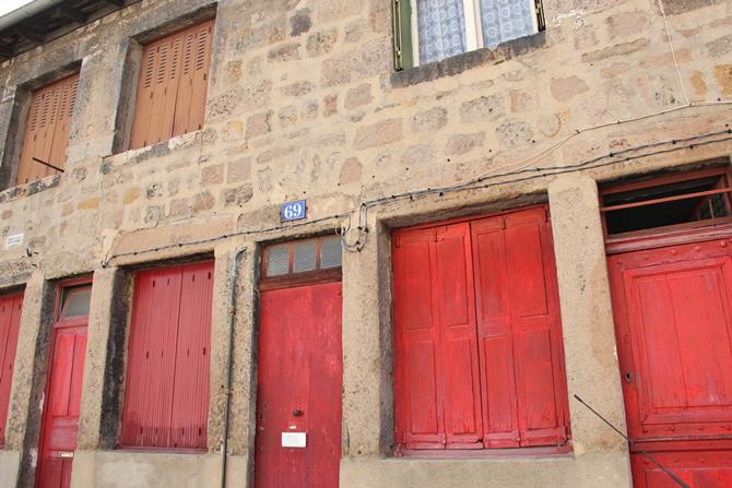Les maisons anciennes de Saint-Etienne, rue Baulier © H. Jacquemin